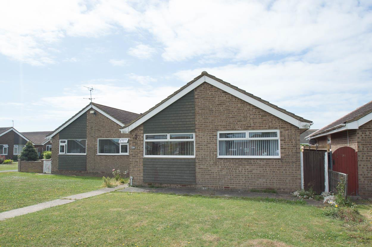 2 Bedrooms Bungalow for sale in Kipling Walk, Eastbourne